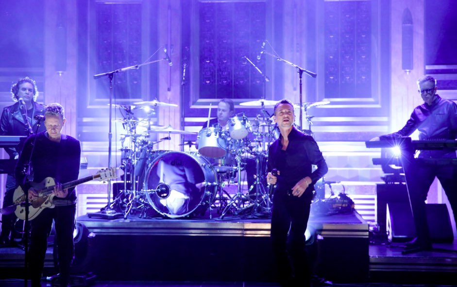 "Depeche Mode en Fallon presentando ""Where's the Revolution"""