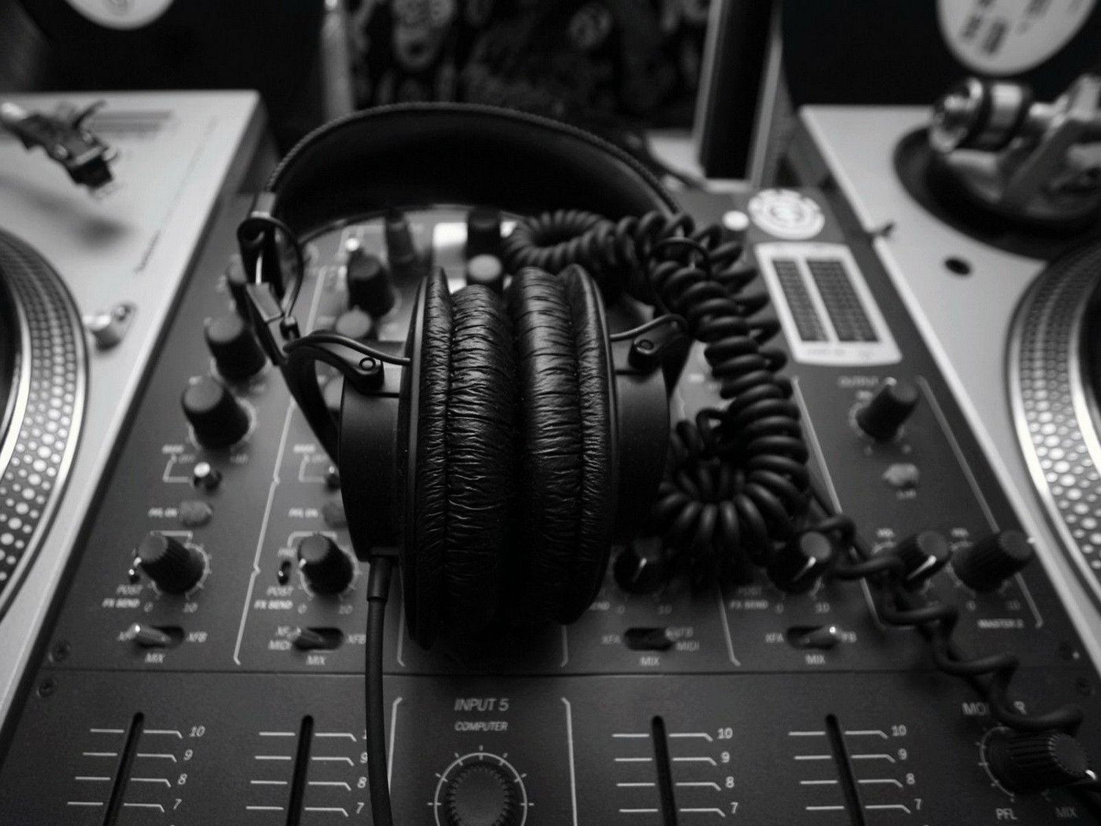 Del BEAT al BOmm: ¿Cómo surgir en la industria de la música electrónica?