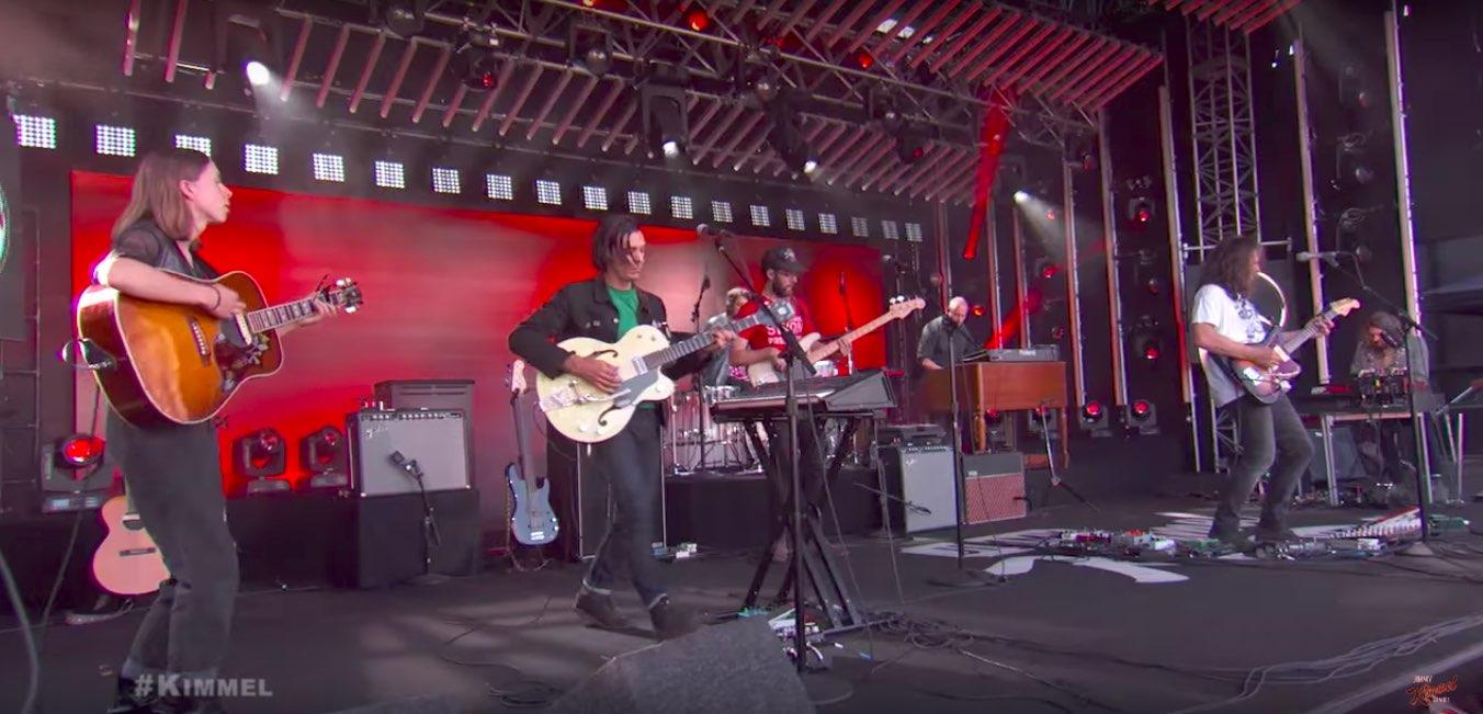 Así deberían sonar siempre las guitarras en vivo: The War on Drugs en Jimmy Kimmel